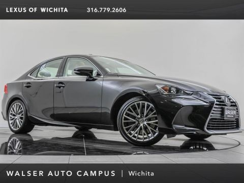 Pre-Owned 2017 Lexus IS Navigation, AWD