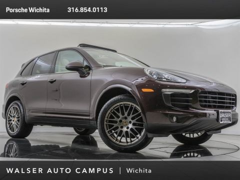 Pre-Owned 2017 Porsche Cayenne Premium Package